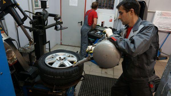 вакансии шиномонтажник в юзао